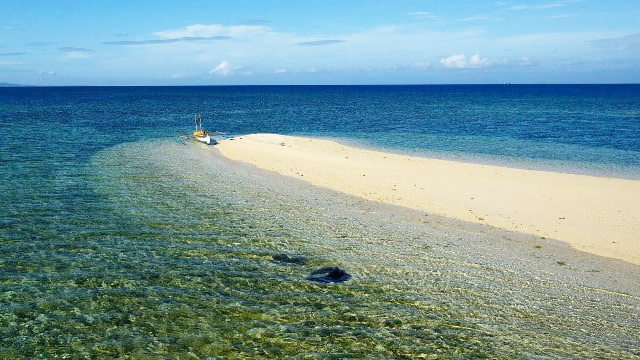 Campalabo Sandbar: A Small Paradise in the South