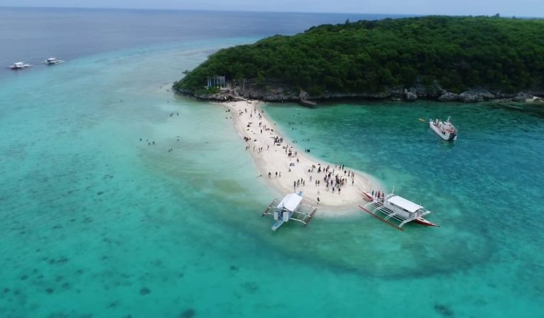 Sumilon Sandbar Is Temporarily Closed, But Cebu Has Other Sandbars You Can Explore